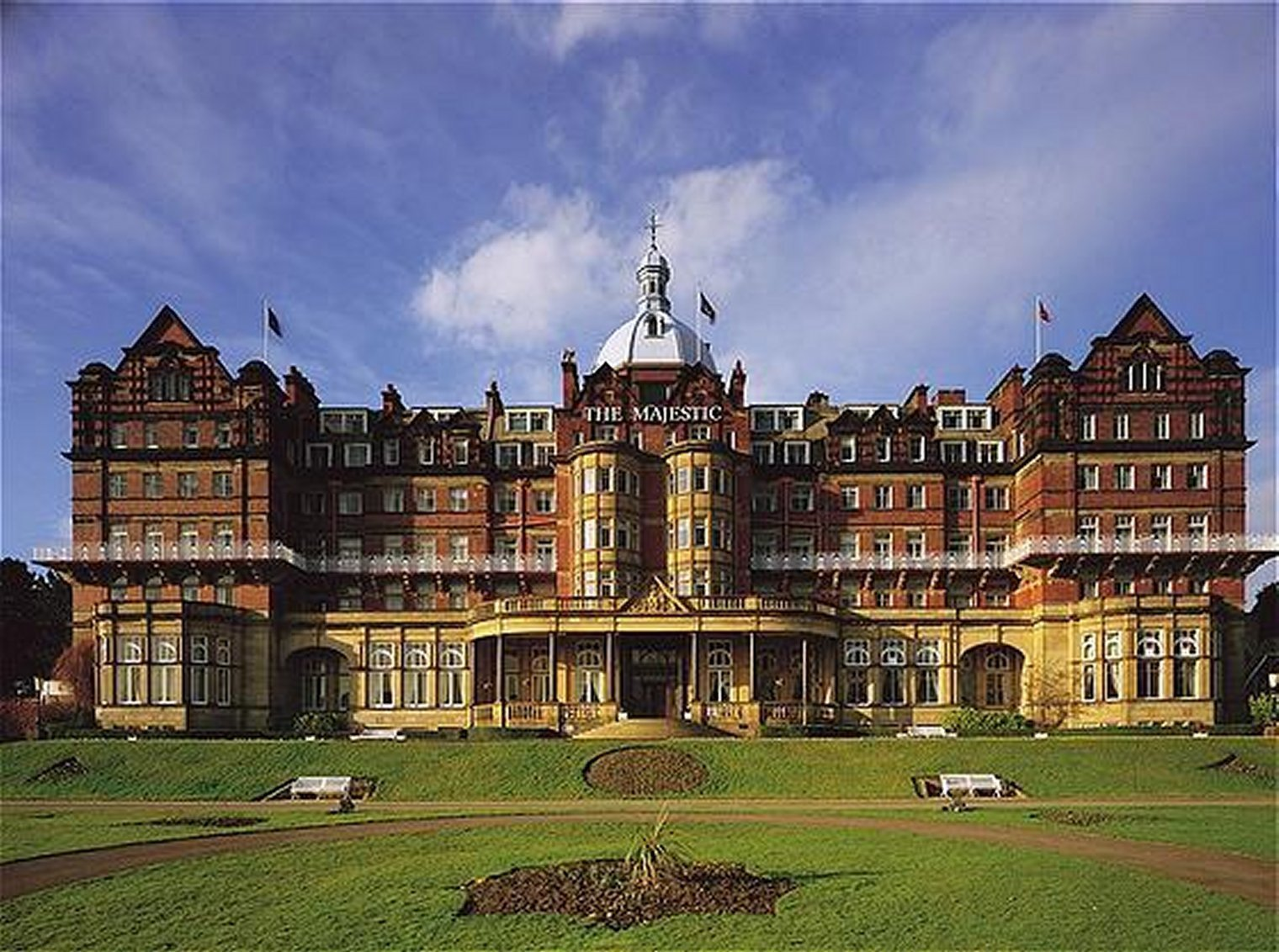 Our Speciality >> BPS @ The Majestic Hotel, Harrogate - The UK's Finest Wedding, Corporate & Party Band